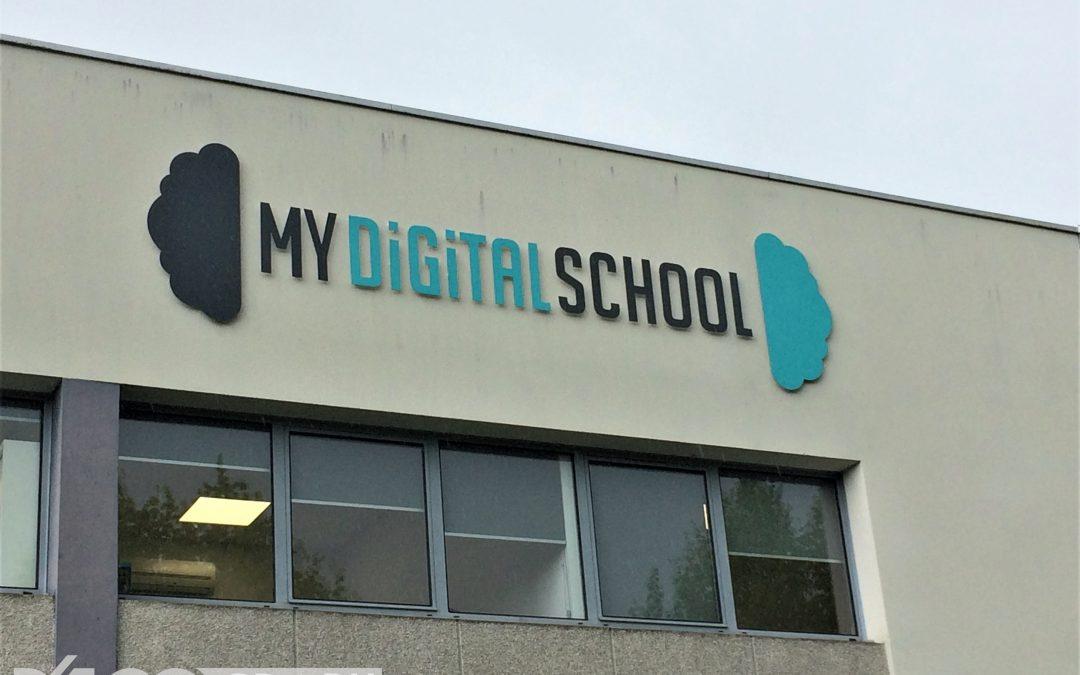 My Digital School : Enseigne Lettres Découpées