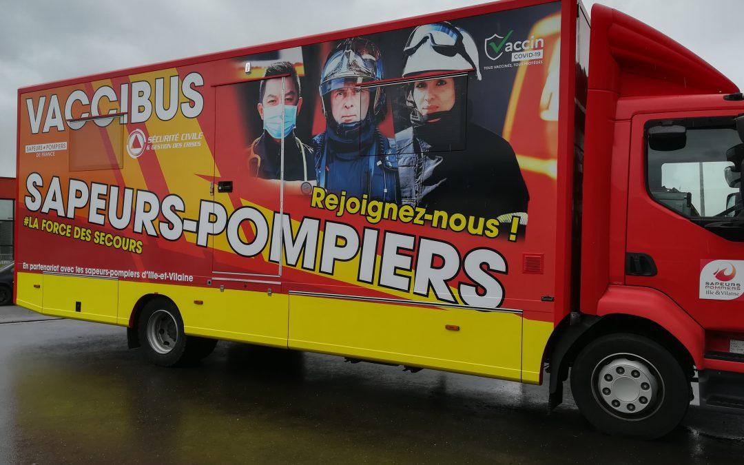 Décoration d'un camion de pompier pour le Tour de France